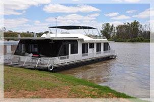 River Rat Houseboats Kingston on Murray South Australia